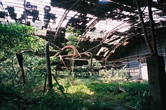 CNV000018 (雅布 重) Tags: 廢墟 fujifilm silvif28 xtra400 film 2016 snap ruins taiwan