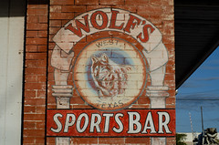 Wolf's Sports Bar (dangr.dave) Tags: west tx texas downtown historic architecture wolfssportsbar mural