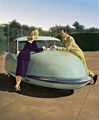 El Davis Divan fue un convertible de 3 ruedas construido por la Davis Motorcar Company entre 1947 y 1949. (Txemari - Argazki.) Tags: