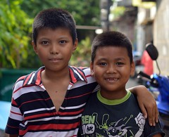 pals (the foreign photographer - ฝรั่งถ่) Tags: two boys friends pals khlong bangkhen bangkok thailand nikon d3200
