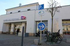 Parking Vélos gare © BB (villenevers) Tags: vélo localvélo accrochevélo parking cycle gare sncf garageàvélos garagevélo