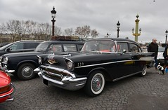 1957 Chevrolet Bel Air four door sedan (pontfire) Tags: 1957 chevrolet bel air four door sedan 57 berline noire black la 19e traversée hivernale de paris 2019 en anciennes voiture voitures cars auto autos automobile automobili automobiles coche coches carro carros wagen pontfire bil αυτοκίνητο 車 автомобиль classique ancienne vieille classic old antique vieux vintage car oldtimer american américaine belles dépoque belair 50s 自動車 سيارة מכונית place concorde 4door ed cole harley j earl division general motors corporation gm us