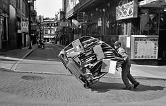 San Francisco, 2018 (Dave Glass . foto) Tags: chinatown chinatownsanfrancisco chinatownsf sanfrancisco filmphotography nikonfm nikkor28mm street streetphotography cardboard washingtonstreet handtruck recycling cardboardrecycling