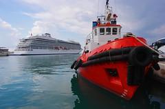 Tug and the Viking Sun (sfryers) Tags: vikingsun bergen cruise ship rigel tug harbour port adriatic sea split dalmatia croatia hrvatska smc pentaxda 15mm 14 limited