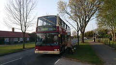East Yorkshire 587 (YX51 AYC) (danny.yng) Tags: eyms eastyorkshire yx51ayc volvo b7tl lwb plaxton president low height hull