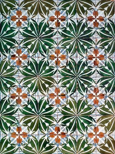 """""""Bacalhoa"""" pattern tiles panel (undated) - Rafael Bordalo Pinheiro (1846-1905)"""