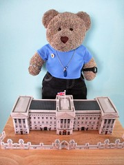 Buckin'am Pallis, where the Kween lives (pefkosmad) Tags: ravensburger3dpuzzle ravensburger 3dpuzzle jigsaw puzzle hobby leisure pastime used complete secondhand buckinghampalace building architecture london tedricstudmuffin teddy ted bear animal toy cute cuddly plush fluffy soft stuffed