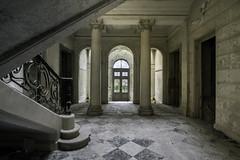 Entrance. (LoquioR) Tags: manoir mansion palais entrée majestueux stairs abandoned abandonné decay exploration urbex urbaine