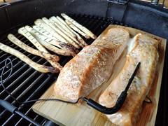 Smoked Salmon with Asparagus (mark_heinis) Tags: bbq kamado salmon zalm asperges hamburger smoked goodness food