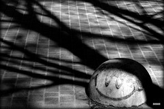 Mood) (bezkaski1) Tags: mood spring roads sidewalk april dnieper city heat sun shadows trees smile ёёёёё дніпро ua весна тепло город улыбка