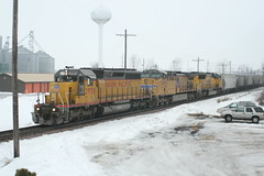 Evansville grain extra (The Andy Smith) Tags: clinton wi up sd402 2958 fog snow