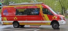 Bomberos Madrid (emergenciases) Tags: emergencias españa 112 madrid comunidaddemadrid explosiónvallecas vallecas puentedevallecas bomberos bomberosayuntamientodemadrid bomberosmadrid vehículo mercedes mercedesbenz sprinter furgoneta pma puestodemandoavanzado puestodecontrol alma parque2 ventas
