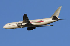 B767-3.N423AX-1 (Airliners) Tags: omni omniair omniairinternational 767 b767 b7673 b767300 b767324 boeing boeing767 boeing767300 boeing767324 iad n423ax 42229