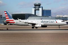 American Airlines | Airbus A321-200 | N136AN | Las Vegas McCarran (Dennis HKG) Tags: aircraft airplane airport plane planespotting oneworld canon 7d 100400 lasvegas mccarran klas las american americanairlines aal aa usa airbus a321 airbusa321 sharklets n136an