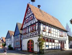 Burgholzhausen Altes Rathaus (wernerfunk) Tags: fachwerk townhall hessen dorf village architektur