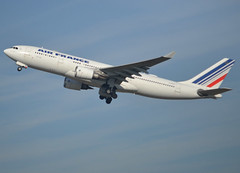 F-GZCF, Airbus A330-203, c/n 481, Air France, CDG/LFPG 2019-02-16, off runway 27L. (alaindurandpatrick) Tags: cn481 fgzcf a330 a332 a330200 airbus airbusa330 airbusa330200 jetliners airliners airfrance af afr airlines cdg lfpg parisroissycdg airports aviationphotography