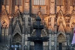 Cologne Cathedral at the golden hour 2 (hermann.kl) Tags: köln cologne kölnerdom colognecathedral goldenestunde goldenhour kreuzblume