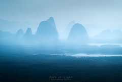 Phang nga-gonia (Gift of Light) Tags: phangnga bay thailand travel moutain sea landscape forest fog mist nature morning day sony sonyalpha sonya9 a9 sonyfe70300mmf4556goss fe 703004556 455670300 g f4556 70300mm feisol feisolct3372elitetripods ct3372
