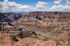 Grand Canyon West (Dailyville) Tags: arizona grandcanyonwest canyon cliffs rocks ledge clouds sky dailyville ohiofoothills