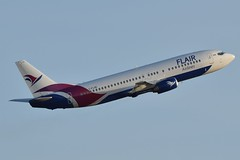 C-FLHE (LAXSPOTTER97) Tags: cflhe flair airlines boeing 737 737400 cn 28889 ln 3000 aviation airport airplane cyxx