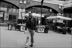 DRD160605_0837 (dmitryzhkov) Tags: urban outdoor life human social public stranger photojournalism candid street dmitryryzhkov moscow russia streetphotography people bw blackandwhite monochrome arbat arbatstreet