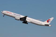 B-7881 | Boeing 777-39PER | China Eastern Airlines (cv880m) Tags: newyork jfk kjfk kennedy aviation airliner aircraft airplane jetliner airport b7881 boeing 777 773 777300 77739p china chinaeastern triple7 tripleseven