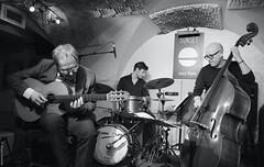 Jean de Aguiar trio (lechatrave) Tags: acousticguitar finejazz