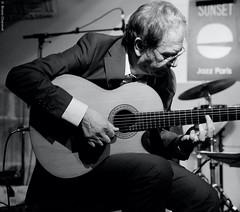 Jean de Aguiar (lechatrave) Tags: acousticguitar finejazz
