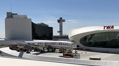 TWA Starliner & Hotel (cv880m) Tags: newyork jfk kjfk kennedy aviation airliner airline aircraft airplane airport propliner hotel n8083h lockheed l1649 l1649a starliner constellation connie twa transworldairlines controltower eerosaarinen