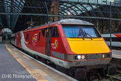 Credit where due (CS:BG Photography) Tags: class91 electra lner londonkingscross intercity225 91121 ecml eastcoastmainline londonnortheasternrailway kingscross kgx london trainbow celebratingdiversity pride pridene loveislove