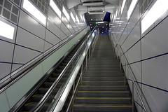 Underground Station Town Hall 3 (hermann.kl) Tags: köln cologne ubahn underground stationrathaus stationtownhall treppe stufen stairs