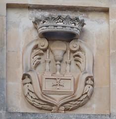 Lecce (Apulia-Italia).  Via Leonardo Prato. Escudo (santi abella) Tags: lecce apulia puglia italia heráldica escudos