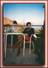 Pausa caffè (World fetishist: stockings, garters and high heels) Tags: highheels heels high tacchiaspillo tacchi taccoaspillo trasparenze minigonna minirock calze calzereggicalzetacchiaspillo corset calzereggicalze corsetto bas suspenders straps stocking stiletto stockings stockingsuspendershighheelscalze strümpfe stilettoabsatze strapse stockingsuspenders stilettos guepiere reggicalze reggicalzetacchiaspillo r