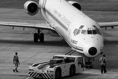 Moment...(Far Eastern Air Transport FAT McDonnell Douglas MD-82 B-28037) (Manuel Negrerie) Tags: 遠東航空 b28037 md82 mcdonnell douglas fat feat taiwan airlines plane md83 blackwhite jetliner airliner design sight moment instant canon photography aviation songshanairport tsa