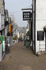 High Street, Clovelly (clivea2z) Tags: unitedkingdom greatbritain england devon northdevon clovelly newinnhotel narrowstreet pedestrianonlystreet steephill cliveardontz cobblestreet village
