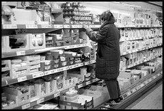 At the grocery (Micke Borg) Tags: rodinal fp4 ilford 14 50mm ltm canon m3 leica grocery lidl sveavägen sverige sweden stockholm