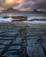 Elgol rocks (He Ro.) Tags: 2019 elgol isleofskye schottland scotland winter rocks elgolbeach sea skye highlands coastal seascape cuillins mountains black cuillin lochscavaig uk moody