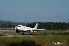 Vueling - EC-MGF - A319-100 (Aviation & Maritime) Tags: ecmgf vueling vuelingairlines airbus a319 a319100 airbus319100 airbus319 bgo enbr bergenairportflesland bergenlufthavnflesland bergen flesland norway