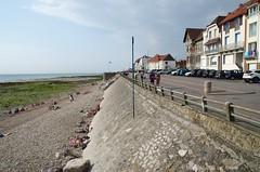 Digue (Spotmatix) Tags: 18200mm beach camera france hautsdefrance k5iis landscape lens pentax places seaside seasons summer zoomtravel