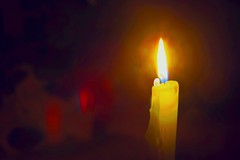 #Candlelight flare #ThroughHerLens (7 Blue Nights) Tags: candlelight lookingcloseonfriday throughherlens light macro red rx10 candle