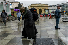 17drg0032 (dmitryzhkov) Tags: urban outdoor life human social public stranger photojournalism candid street dmitryryzhkov moscow russia streetphotography people city color colour badweather