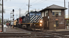 Slamming the diamonds (Robby Gragg) Tags: bcol bc rail c449w 4652 west chicago