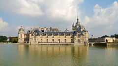 Chantilly, Oise - France (Mic V.) Tags: château de chantilly chateau castle renaissance building architecture french history histoire france oise grounds movie set film