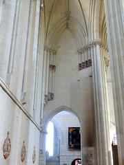 Candes-Saint-Martin, Indre-et-Loire: aile nord de la collégiale. (Marie-Hélène Cingal) Tags: candessaintmartin france centrevaldeloire indreetloire 37 église iglesia church chiesa crkva kirche kirsche kostol kirik kerk kirke