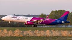 HA-LXR (fakocka84) Tags: lisztferencairport lhbp wizzair airbusa321231 halxr