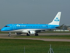 PH-EXJ backtracking for RWY 09 (Ibirdball) Tags: klm klmcityhopper embraer e175 phexj norwich egsh nwi