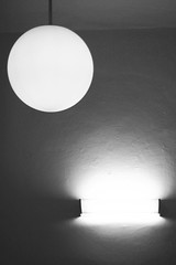 under the full moon (robert.freitag) Tags: bw schwarzweis olympus monochrome light licht lamp lampe wall wand minimalism minimalismus