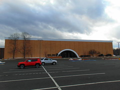 Abandoned Macy's (Enfield Square Mall, Enfield, Connecticut) (jjbers) Tags: enfield square mall dead connecticut vacant closed abandoned macys department store
