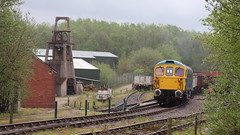 Shunting the sidings (Duck 1966) Tags: 33102 foxfieldrailway emrps class33 diesel locomotive crompton