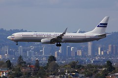 B737 N75435 Los Angeles 22.03.19-1 (jonf45 - 5 million views -Thank you) Tags: airliner civil aircraft jet plane flight aviation lax los angeles international airport klax united airlines boeing 737924erw n75435 retro continental livery b737 737